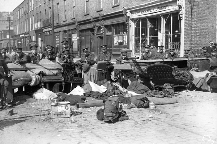 the irish easter rising of 1916 essay Feature articles - the easter rising, dublin 1916 background and long-term causes the english occupation of ireland, which began in 1169, had always been resisted fiercely throughout the centuries.