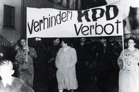 http://ciml.250x.com/sections/german_section/images/kpd/kpd-verbot_1.jpg